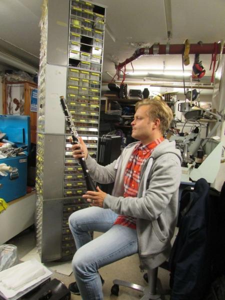 07 Chrostoffer Sundqvist z klarnetem po remoncie