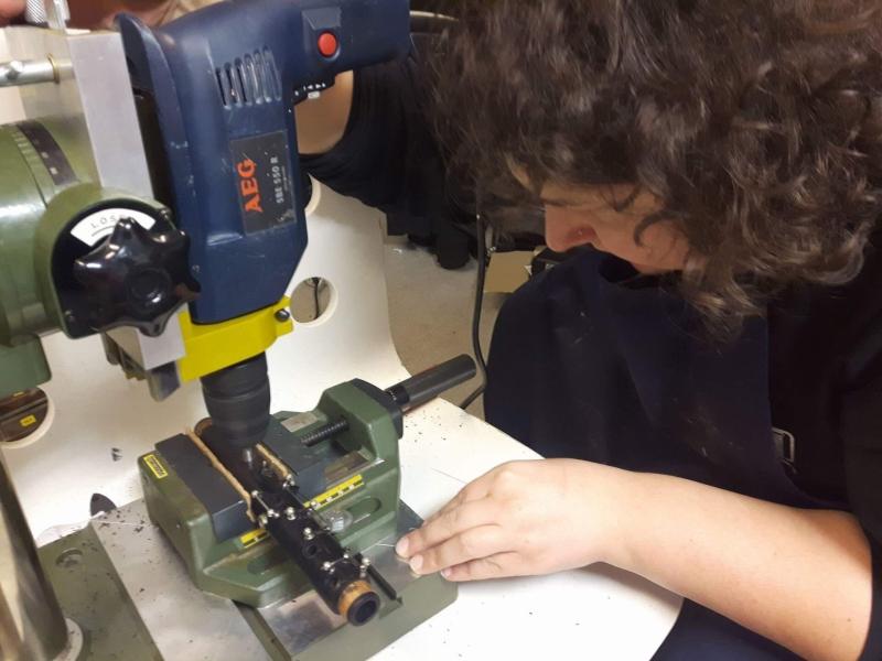 15 Wymiary do wiercenia nowego otworu dźwiękowego(measuring for drilling new tone hole)